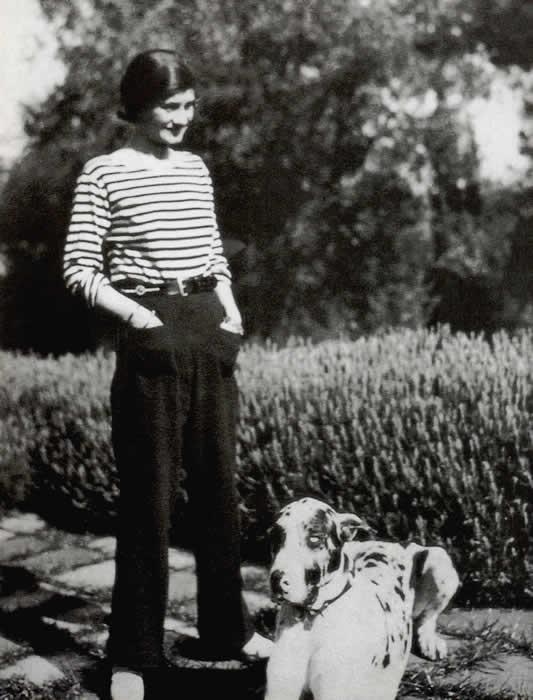 Nhà sáng lập Coco Chanel (1983-1971)